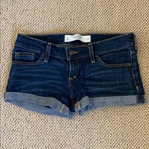 Abercrombie & Fitch Denim Shorts in size 0/25